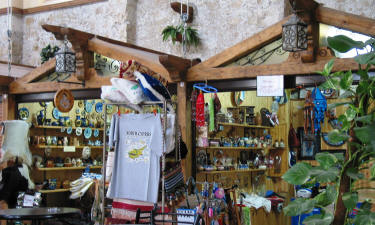 Craft shops at the Girne Bandabuliya